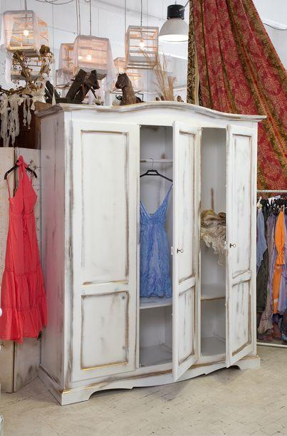 Mobili in stile vintage,mobili colorati e dipinti a mano,mobili country