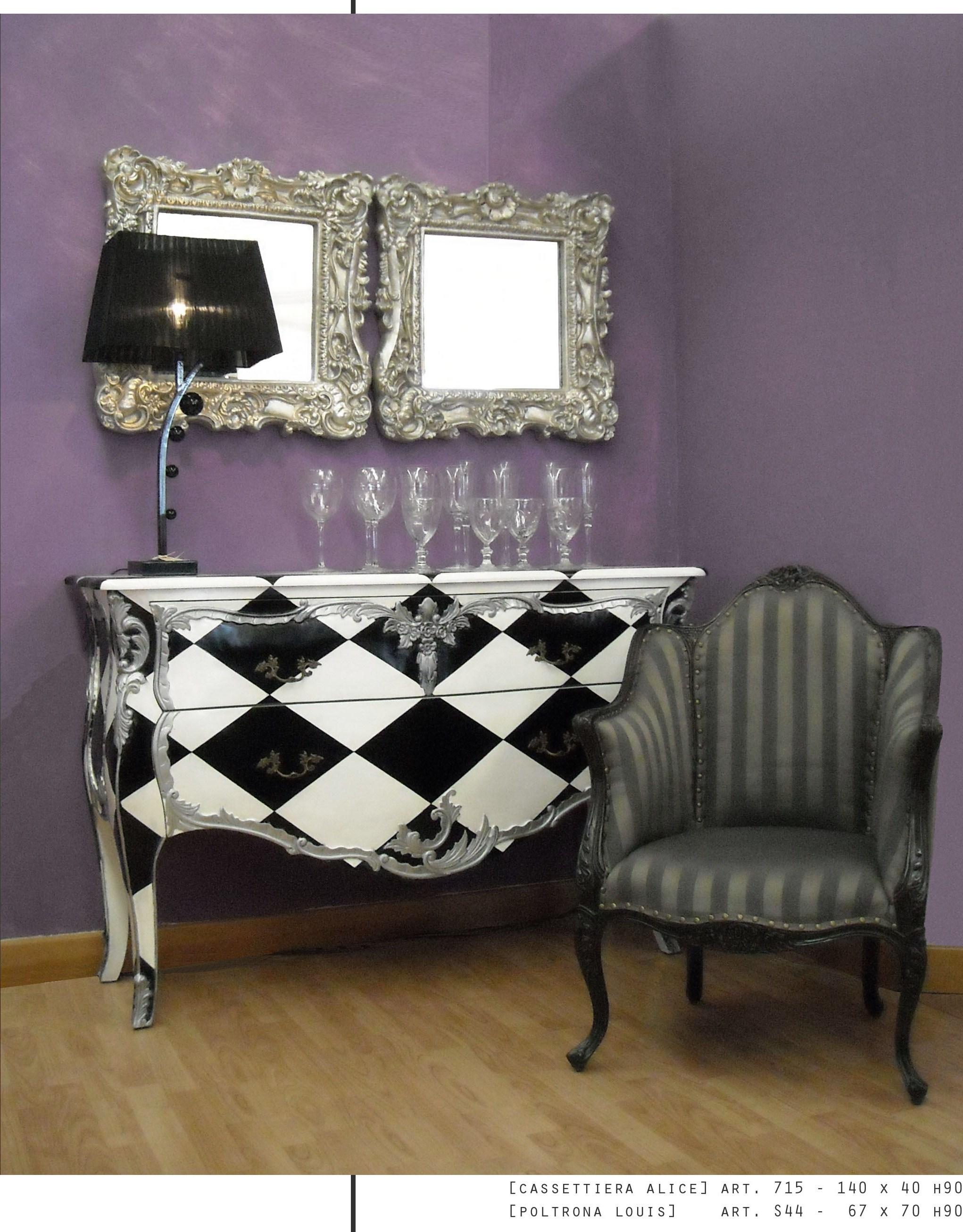 mobili in stile vintage mobili colorati e dipinti a mano