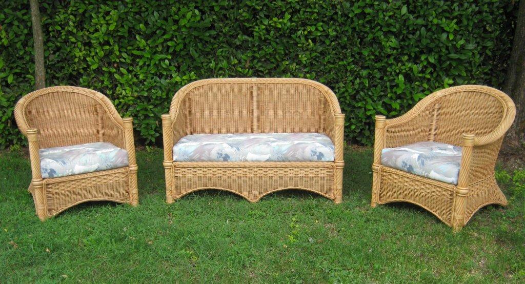 Arredamento per esterno mobili da giardino salotti per - Divano in vimini ...