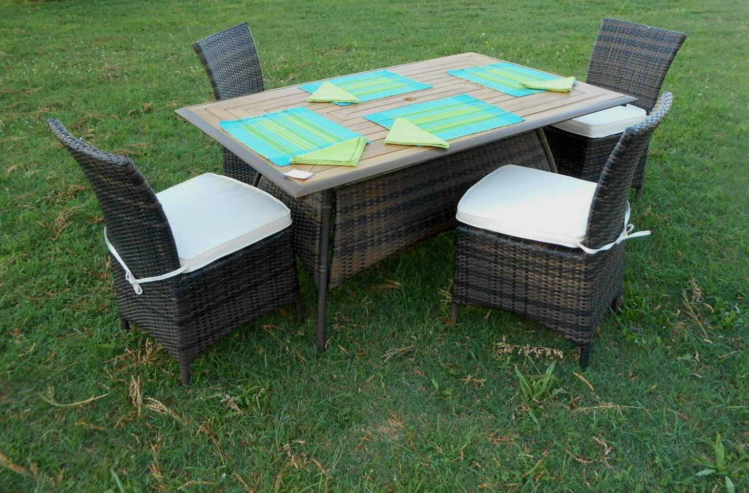 Tavoli da esterno in rattan sintetico ~ Mobilia la tua casa